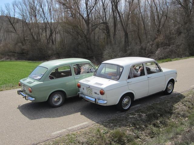conducir coche clasico español