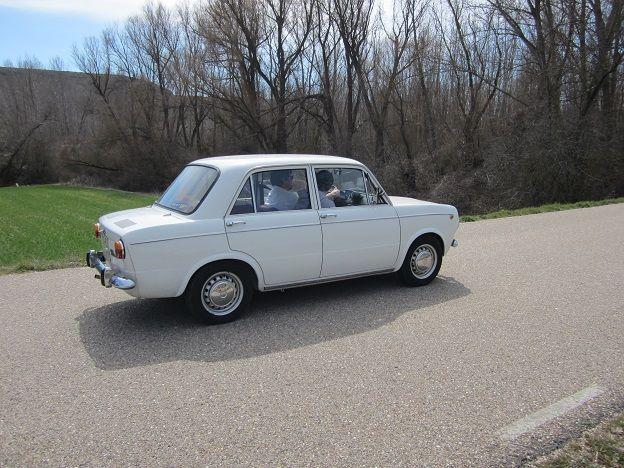 coche clasico blanco