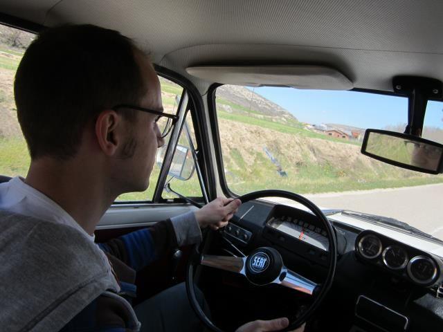 conducir coche clasico
